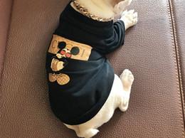 Welpen kapuzenpullis online-Hund Katze Bekleidung Tide Marke Teddy Welpen Bekleidung Heimtierbedarf Herbst Warm Outwears Hoodies Printed Sweater Clothing