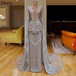 Alfombras turcas online-Nueva árabe lentejuelas vestido de la celebridad 2020 de la sirena larga Dubai alfombra roja vestido de fiesta con el cabo de Turquía de la tarde del desfile de los vestidos
