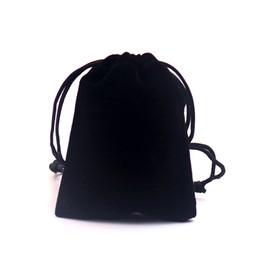 Оптовая продажа 100 шт. / лот 8x10 см Черный Бархат сумка небольшие прелести ювелирные изделия упаковка сумки может пользовательские логотип шнурок бархат мешки supplier wholesale small velvet bags от Поставщики оптовые небольшие бархатные сумки