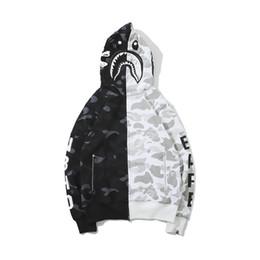 Куртка из черепа онлайн-Новая осень зима мужская черный белый череп камуфляж шить флисовая кофта мужская повседневная молния кардиган куртка с капюшоном