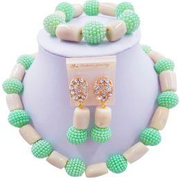 grüne korallenhalskette Rabatt Neue Art hellgrünes weißes afrikanisches Frauen-Jahrestags-Geschenk-korallenrote Halskette 1C-ZZSH-07