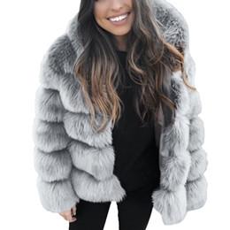 Giacche invernali con cappuccio in pelliccia online-Plus Size inverno del rivestimento del cappotto di modo delle donne 2018 l'Ucraina di lusso eco-pelliccia con cappuccio donna Giacche Parka Womens Top e camicette