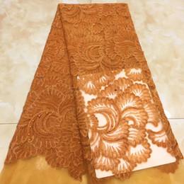 2020 corea de tela de encaje Alta calidad del partido del cordón de la tela bordada Corea 2020 nigeriana boda de tul neto Cordones de telas para vestidos de novia corea de tela de encaje baratos