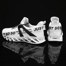 2019 lâminas de sapatos esportivos Lâmina Tênis Para Homens Respirável Malha Meias Sneakers Antiderrapante Amortecimento Sola Do Esporte Atlético Sapatos de Treinamento Run Zapatills desconto lâminas de sapatos esportivos