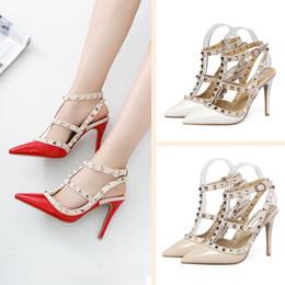 talons de mélisse Promotion Mode luxe designer femmes chaussures 8cm talons hauts sandales cloutées sexy dames sandales compensées fond rouge spike Partie mariage
