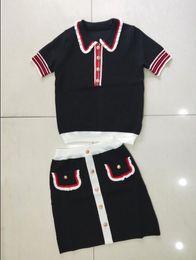 Costume pour femme 19 en printemps et en été avec surpiqûres contrastantes en soie de soie et col de soie ? partir de fabricateur
