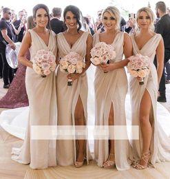 2019 vestidos de primavera para convidados Chiffon Summer Long vestido da dama de 2.020 V Sexy Pescoço Ruched Frente Divisão de convidados do casamento da madrinha de casamento vestidos BM0203