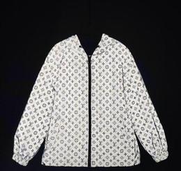 2019 jaqueta de hiphop dos homens Mens jaquetas de designer Sunscreen homens e mulheres casaco fino jaqueta blusão casual 3 m jaqueta reflexiva Clássico marca designer jaquetas desconto jaqueta de hiphop dos homens