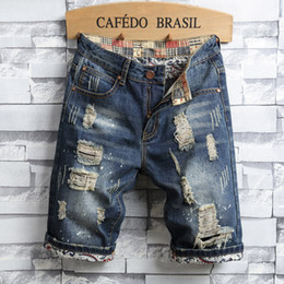Мужские джинсы с синими джинсами онлайн-Casual Blue Ripped Shorts Jeans Men Cotton Solid Bermuda Masculina Knee Length Summer Fashion Denim Hole Shorts Male Mid Jeans