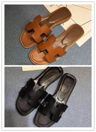 zapatillas de casa moradas Rebajas Sandalias de mujer zapatos de diseñador deslizador de lujo moda de verano ancho sandalias planas sandalias zapatillas zapatillas 35-42