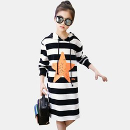 9bec8929ee6097 Kleid Für Mädchen Herbst Mädchen Kleid Mit Kapuze Gestreifte Langarm Kinder  Kleider Teen Winter Mädchen Kleidung 4-14 Jahre Weihnachten Y190515