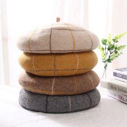 Le nuove signore di lana selvaggia plaid berretto autunno e cappello pittore inverno caldo studente retrò giapponese cappello della zucca britannico da sentito pista fornitori