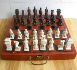 caixa de xadrez em madeira Desconto Caixa de couro de madeira chinesa Mah bonito chinês com 32 peças de xadrez
