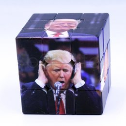 Souvenir bambini online-Divertente Trump Magic Cube 5.6 cm Professionale Magic Puzzle Trump Stampa UV Bambini Educazione degli adulti Giocattoli di intelligenza Souvenir 60pcs AAA1812