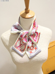 Sciarpe di seta della sciarpa del progettista di lusso Nuove fasce di seta delle donne di marca 100% Bande dei capelli della sciarpa del sacchetto della seta di grado superiore da nuove fasce fornitori