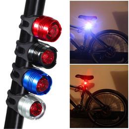 2019 rabo de flash Bicicleta de alumínio Ciclismo Frente Traseira Da Cauda Capacete Vermelho Branco À Prova D 'Água LEVOU Luz Do Flash de Segurança Lâmpada de Aviso de Ciclismo luz de Advertência acessórios rabo de flash barato