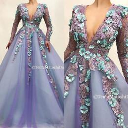 Lila afrikanische spitze online-Lavendel Lila lange Hülsen-Abend-Festzug-Kleid 2020 V-Ansatz Spitze 3D Floral afrikanischer Arabisch formale Gelegenheit Abendkleider tragen