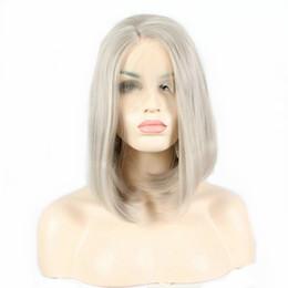 perruques de mode gris Promotion Perruque de mode féminine résistant à la chaleur Sliver Grey Short Bobo Straight Synthétique Lace Front Wig pour les femmes 14 pouces côté partie perruque en dentelle sans colle