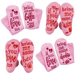 Divertenti regali da golf online-Rosa Slipper Floor Socks felice divertente lettera Calzini da regalo per i regali di Natale delle ragazze delle donne cozy cute Calze inverno di alta qualità Calze M269Y