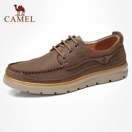 2019 zapatos de cuero de camello CAMEL hombres del cuero genuino de los zapatos ocasionales de la manera cómoda Calzado de cuero de vaca suave masculina del hombre Zapatos mocasín Cuir zapatos de cuero de camello baratos