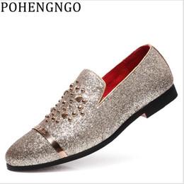 2019 Luxus Herren Silber Black Diamond Spiked Loafers Nieten Hausschuhe Red Bottom Hochzeit Schuhe Stilvolle Männer fahren Wohnungen