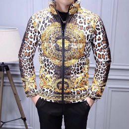 Männer-leopard-druckjacke online-2019 Winter Neue Europäische Zhandusha Leopardenmuster Warme Vertikale Kragen Baumwolle Jacke Baumwolle Kleidung Herren Persönlichkeit