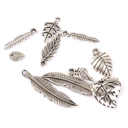 antique jewellery pendants Promo Codes - 50pcs Pack Antique Tibetan Silver Leaves Charms Pendant Beads Jewellery Making Loose Beads DIY Findings Jewelry Accessories