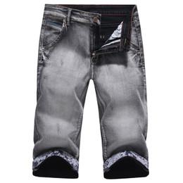 dfd7f546d0e5e Rabatt Graue Jeans | 2019 Graue Jacke Jeans Männer im Angebot auf de ...