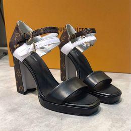 Haute qualité dames mot ceinture sandales avec classique L maison vieille fleur en cuir couture chaussures de luxe usure antidérapante en caoutchouc semelle extérieure de mode wil ? partir de fabricateur