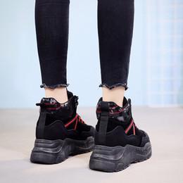 Bottes d'hiver de plate-forme pour femmes Chaussures d'hiver fille Compensées Casual Baskets Bottes de motard en cuir imperméables Bottes de neige en cuir ? partir de fabricateur