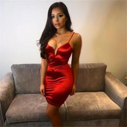 2019 vestidos vermelhos formais do bodycon Evening Sexy Deep V Vestido Moda Red Bodycon Vestido Night Club Party Dresses Vestidos Formais Ocasião desconto vestidos vermelhos formais do bodycon