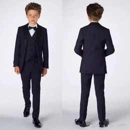2019 ragazzi blu navy smoking Smart Teens Tuxedo Custom Made Kids Party Abiti formali Pantaloni Abiti da cena Smoking da sposo per ragazzi (Giacca + Pantaloni + Gilet + Papillon) B001