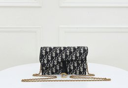 88817995 KLASİK Ücretsiz Kargo Yeni Kadın yüksek kalite Moda çanta Totes Çanta Çanta Çanta Totes Çanta Büyük Alışveriş Çantası 999995 nereden