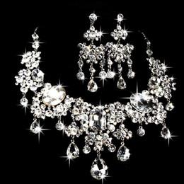 collar esmeralda de la boda fija Rebajas Las mujeres Sistemas de la joyería del banquete de boda INS lujo Rhinestone pendientes de la novia collar conjunto calidad superior de la boda conjunto de joyas para dama