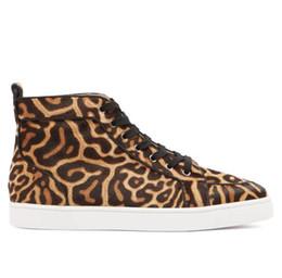 Zapatillas de leopardo de fondo rojo online-Popular Estampado de leopardo Pony Cabello Caminar Casual Lujo High Top Red Bottom Sneakers Moda Venta caliente Deportes Caminar Diseñador Zapatillas de deporte Zapatos