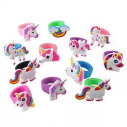 Nuovi anelli in PVC di unicorno carino Anelli per bambini in silicone morbido Anelli di unicorno animale adorabile Anello colorato Giocattolo regalo di moda per ragazze per bambini 10 pz / lotto da