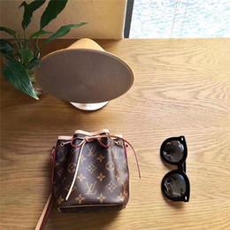 niedliche kleine mädchen handtaschen Rabatt Neue Kinderhandtaschen Modedesigner Kinder Mini Geldbörse Umhängetaschen Teenager Mädchen Messenger Bags Nette Weihnachtsgeschenke Für Kleine Mädchen B111