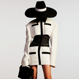 2020 donne bianche del vestito dalla camicia dell'annata Dress Abiti da donne spalla larga Nero Bianco Colorblock del collare della camicia del corsetto Slim Retro manicotto lungo Dress Spring Fashion Temperamento donne bianche del vestito dalla camicia dell'annata economici