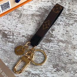 bolas de peles de telefone celular Desconto Alta qualtiy Luxo Chaveiro Chaveiro Chaveiro Marca Porte Clef Presente Das Mulheres Dos Homens Saco de Carro Chaveiros com caixa RT77