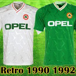 Calcio bianco verde online-Top thailand 1990 1992 Irlanda RETRO Soccer Jerseys Repubblica d'Irlanda National Team Jersey 90 Coppa del mondo Calcio kit calcio Camicia verde