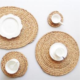 Stuoia di tabella rotonda semplice della paglia di stile giapponese, stuoia della tazza, stuoia dell'isolamento termico, stuoia a mano della stuoia del set del tè. da