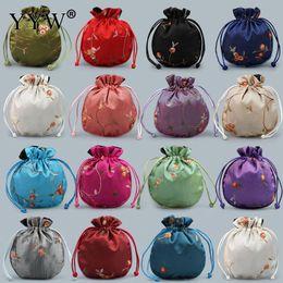2019 joyas de seda bordada 140x120mm satén cordón chino de seda bolsas de brocado bolsa de joyería de damasco embalaje bolsa de regalo de navidad bolsa bordada 10 pc / lote rebajas joyas de seda bordada