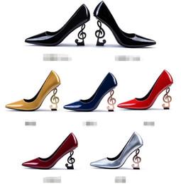 2019 chaussures habillées couleur ivoire Chaussures de mariage 2020 en cuir verni pour femme d'été Chaussures à talons hauts Bout pointu Talons hauts 9cm ou 11 cm Rouge Noir Bourgogne Argent Slip-On