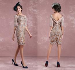 Zarif Anne Saten Kanat Ile Gelin Elbiseler Ucuz Dantel Aplike Diz Boyu Düğün Konuk Balo Parti Elbise Artı Boyutu Suits nereden