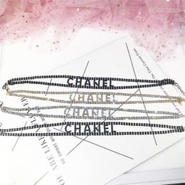 2019 collana di fiore della resina smaltata Fashion Letter Hollow Design Lady Collane Matrimonio Marca Diamond Shinning Bracciali donna Regali di compleanno Collana bracciali trendy Set Je