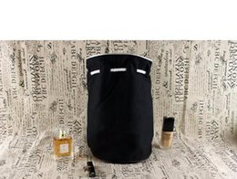 Logo de bolsa de cosmeticos online-Logotipo clásico Cordón de gimnasio Bolsa de cubo Bolsa de viaje de viaje gruesa Bolsa de mujer Bolsa de lavado a prueba de agua Estuche de almacenamiento de maquillaje cosmético