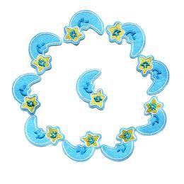 Sacchetti di luna stella blu online-10 PZ Mini Blue Moon Giallo Stella Ricamato Patch Cucire Ferro Su Distintivi Per Abito Borsa Jeans T Shirt Appliques FAI DA TE Decorazione Del Mestiere