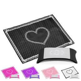 Porta-unhas on-line-Travesseiro Titular Da Mão Nail Art Salon Prática Almofada Rendas Mesa Lavável Mat Pad Dobrável Lavável Manicure Ferramentas RRA1345