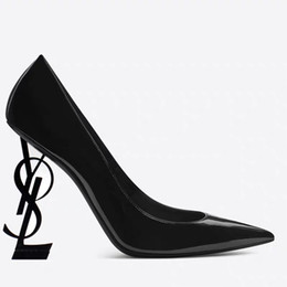 Canada 2019 Designer Femmes Talons En Cuir Chaussures Pointu Toe Mariée De Mariage Soirée De Bal Parti Robe Chaussures Pour Sexy Dames Fashions Noir Pompes Offre
