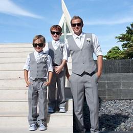 ropa de esmoquin Rebajas Traje gris Portador del muchacho Ropa formal Ropa de niños Ropa de playa para el banquete de bodas Juego de niños Traje de niño (chaleco + pantalones + corbata) Por encargo